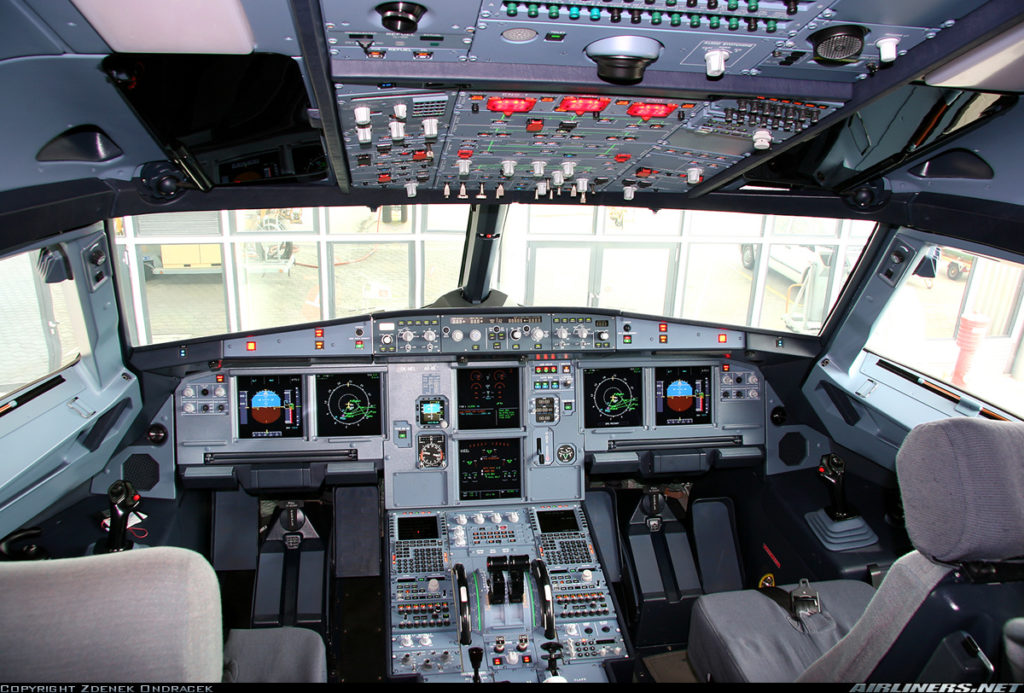 A320 Cockpit, Copyright by Zdeněk Ondráček. Use was explicitly granted for upwithoutwings.com